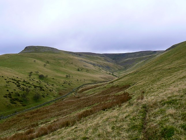 The view up Trundale to Murton Fell