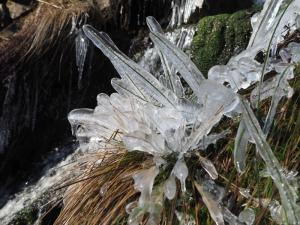 Some spectacular ice formations above the second waterfall