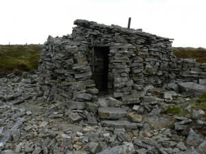 The superb stone shelter on Dead Stones
