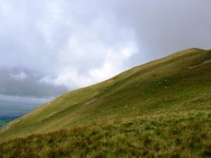 Approaching the top of Dufton Pike