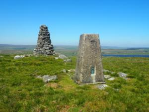 The cairn and trig point on the top of Shacklesborough
